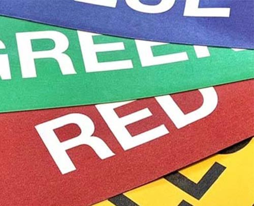 Coloured magnetic labels for modular visual management board