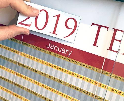 Magnetic label calendar year heading